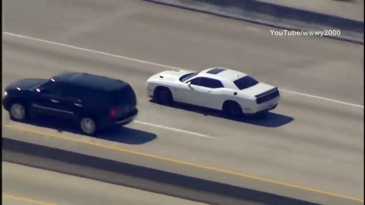 dodge hellcat outruns chopper Dodge Challenger Hellcat Outruns Cops and Helicopter in High-speed Chase