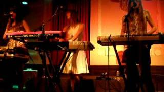 AU REVOIR SIMONE - Sad Song. CHICAGO 2009