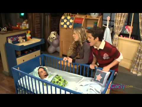 iCarly webisode - What's baby eating: Pea mush