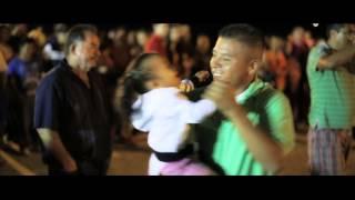 Смотреть клип Gerardo Ortiz - Y Me Besa