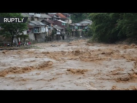 RAW: Heavy floods in Indonesia leave at least 1 dead