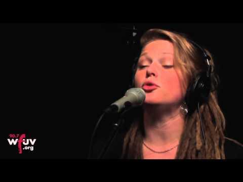 "Crystal Bowersox - ""Crazy"" (Live at WFUV)"