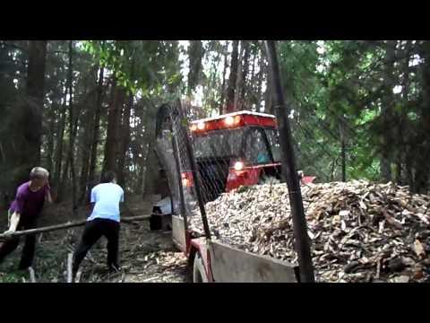 Mobilný štiepkovač s traktorom Zetor 6945