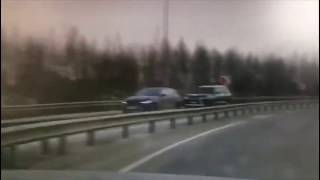 В Санкт Петербурге водитель Jaguar угнал Lexus LX570, взяв его на буксир