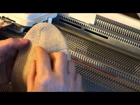 Вяжем носки на машине
