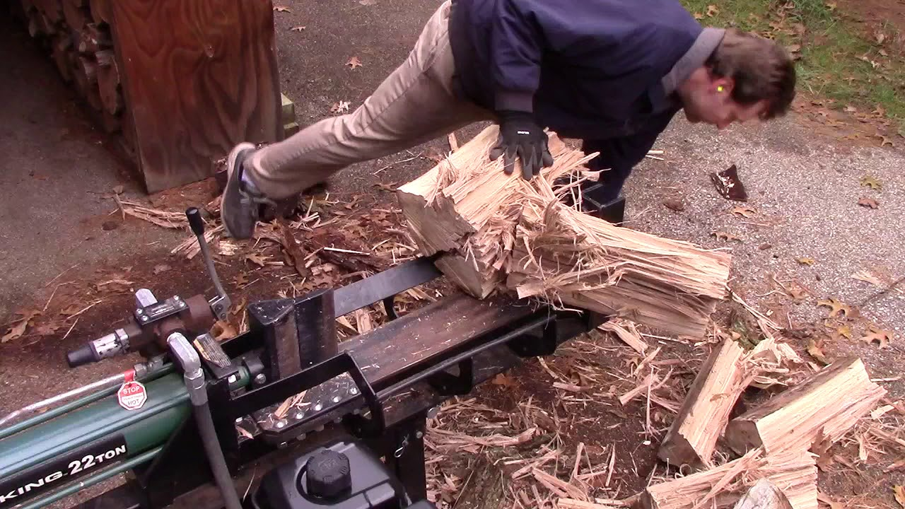 Splitting A Stubborn Elm Tree Log With Log Splitter Youtube