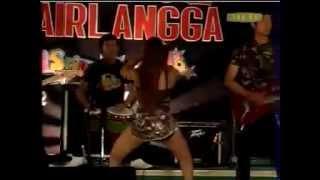Video Dangdut Hot Paling Ngerangsang Terbaru ~ Dua Kursi ~ Om Airlangga download MP3, 3GP, MP4, WEBM, AVI, FLV Juni 2018