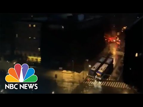 Videos Show Moment Electricity Returns To Parts Of New York City After Power Outage | NBC News NOW