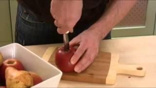 Видео рецепт о том, как правильно вырезать сердцевину у яблока   быстрый и эффективный способ