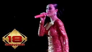 Zaskia Gotik - Minyak Wangi   (Live Konser Sumedang 27 November 2013)