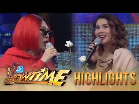 It's Showtime: Vice Ganda gives flower to Karylle