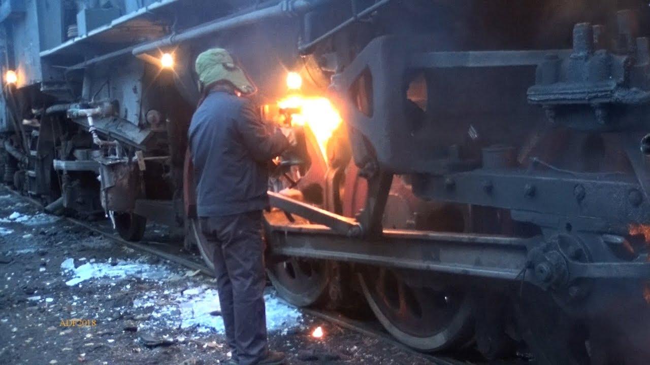 Αποτέλεσμα εικόνας για China - First Train of the Day, Sandaoling December 2018