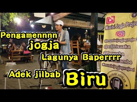 Adek jilbab Biru !!! Pengamen Jogja Lagunyaa Baperrr | Pendopo Lawas
