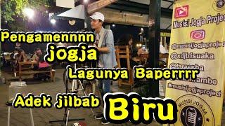 Gambar cover Adek jilbab Biru !!! Pengamen Jogja Lagunyaa Baperrr | Pendopo Lawas