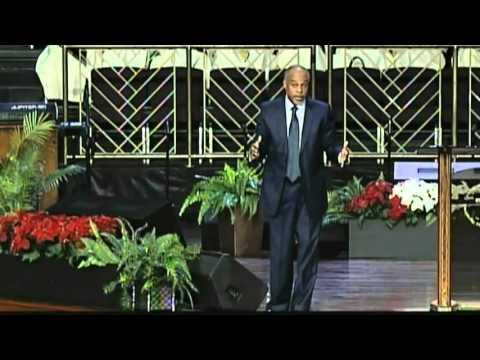 """""""Keep On Running"""" Pastor John K. Jenkins Sr. (Encouraging Word)"""