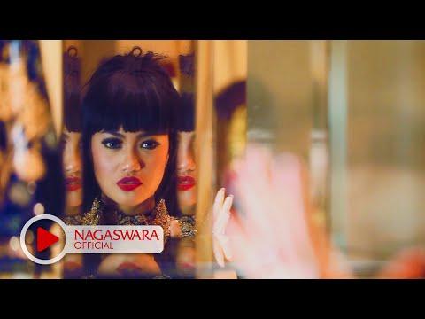 Uchi Tjan - Hatiku Bukan Batu - Official Music Video HD - NAGASWARA