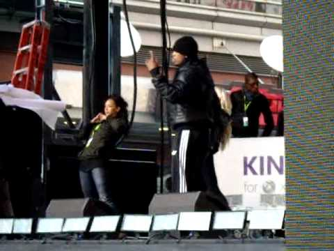 Ne-yo warming up/ practicing for the Times Square Xbox Kinect event