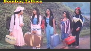 Video Girls arrive at Tikamgarh-Betaab (1983) download MP3, 3GP, MP4, WEBM, AVI, FLV Mei 2018