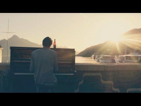 Mathias Piano Man - Queenstown New Zealand - Mathias Lefebvre