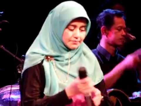 Love Story by Novia Kolopaking n Kiai Kanjeng dlm Konser 8 @ GKJ