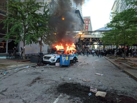 Riots Looting Nike Store City Of Chicago May 30 ,2020