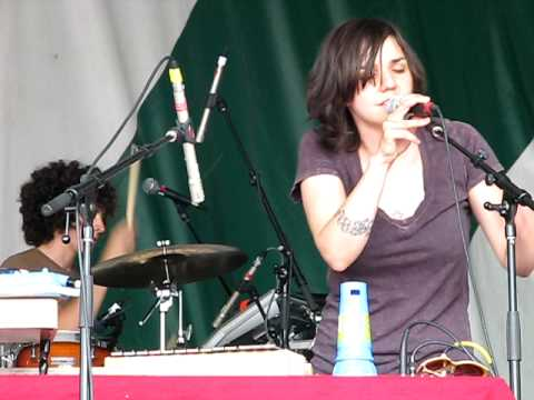 "Emily Wells ""Passenger"" Live"