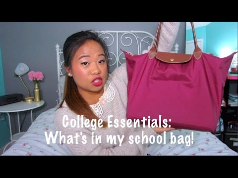 College Essentials: What's in my School bag!