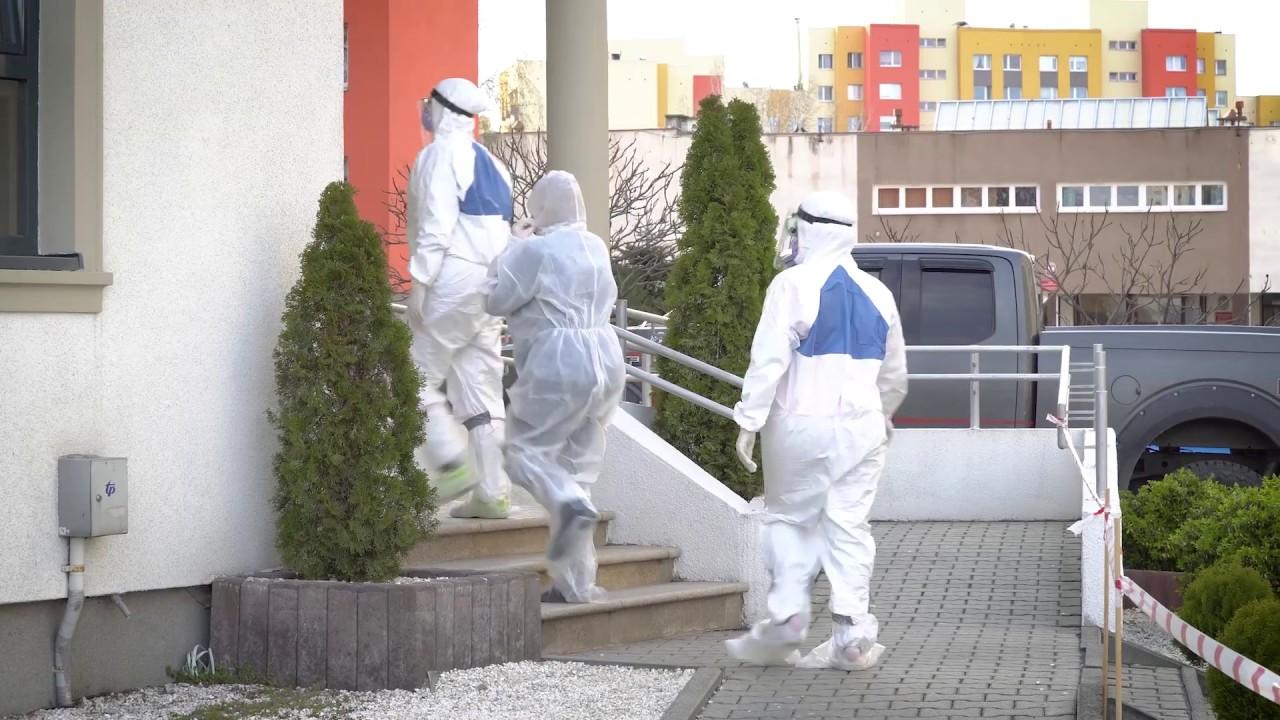 KORONAWIRUS: Dr Radosław Jadach - Przygotowanie pacjenta przed wejściem do kliniki. [3]
