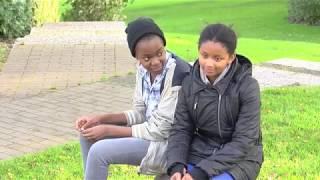 LIEBE MIT HINDERNISSEN (2015), Teenie-Liebesdrama, 15:08 Minuten