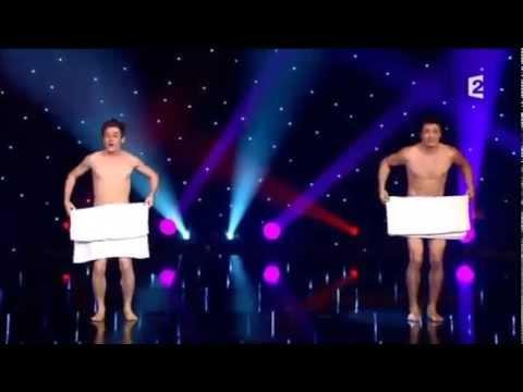 Balé com toalhas e pelado !!!
