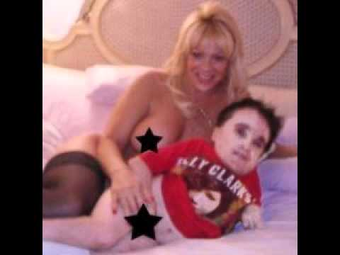 Eric the midget photo with girlfriemd