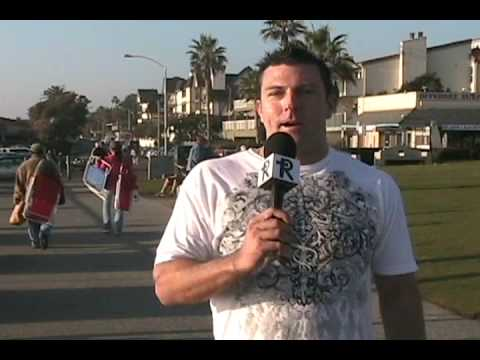 Mark Dice offers over $1000 worth of gold for free to random people