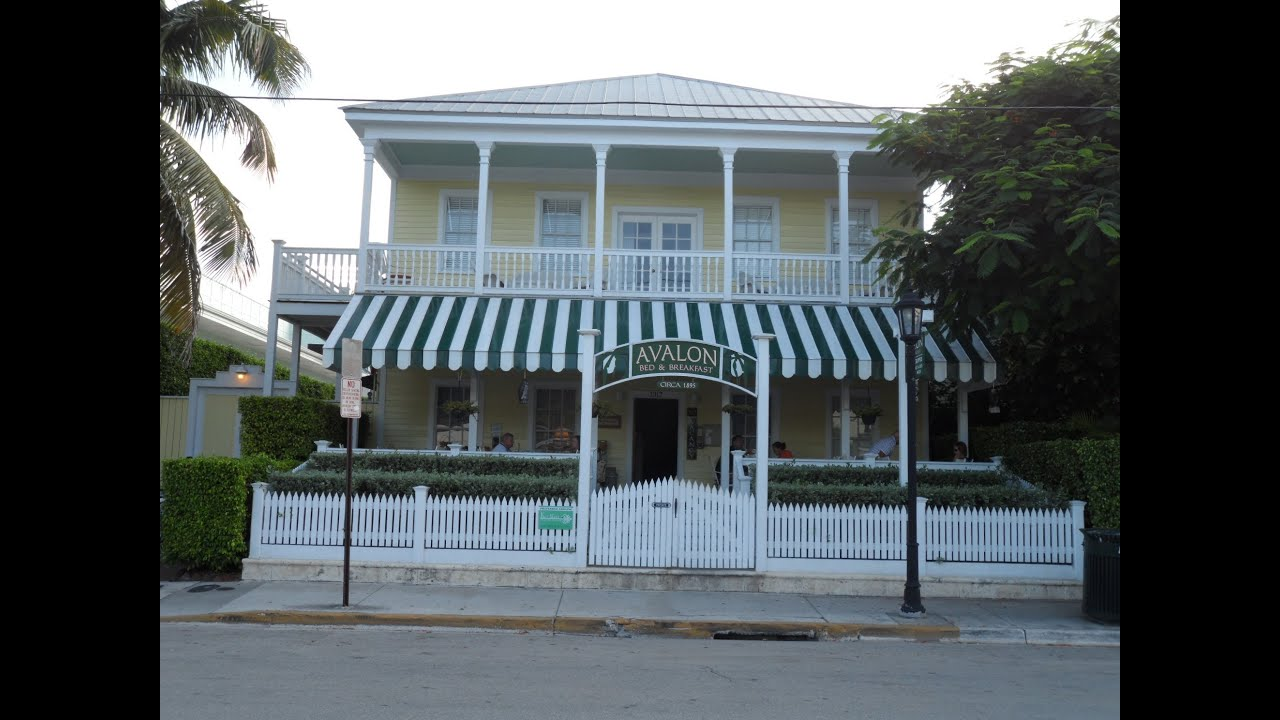 plum and header breakfast inn coco bed old pool west key town