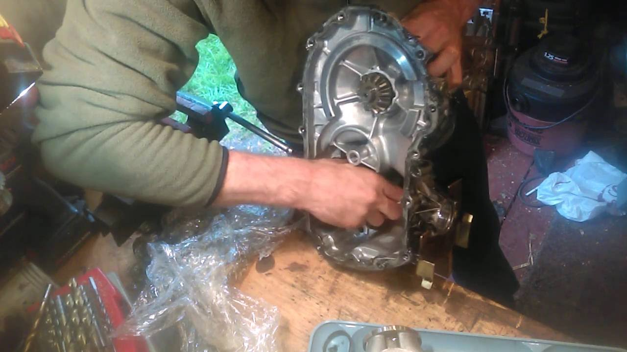 Hydrogear transaxle reassembly from a Craftsman lawn tractor, part 1