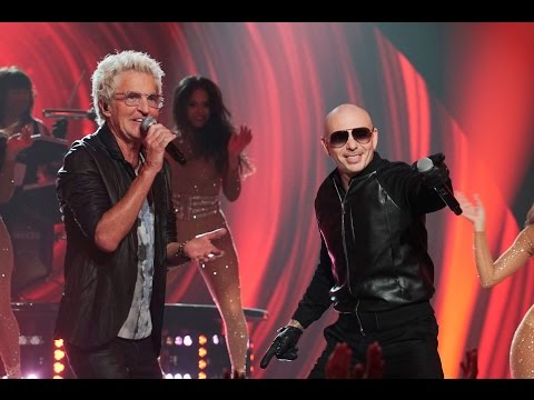 Pitbull Performs with REO Speedwagon - Greatest Hits