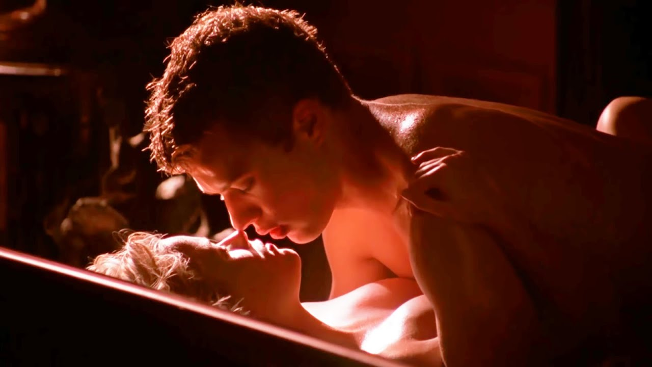 Игры поцелуи голые