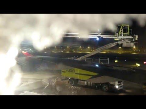 jetpictures.de | Turkish Airlines | Stuttgart (STR) - Istanbul (IST) | deicing + take off + landing