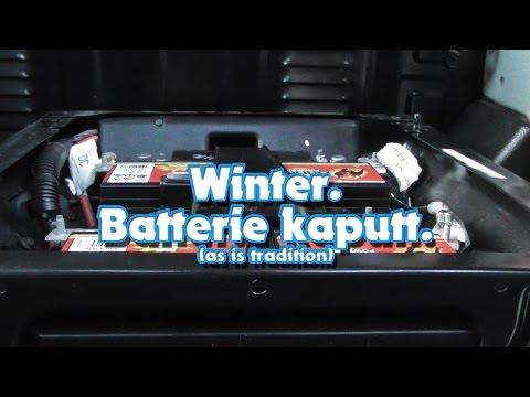 Batterie kaputt. Ford Transit Batteriewechsel.