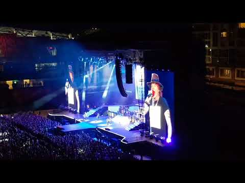 Guns n Roses - Not In This Lifetime Concert Ottawa - Don't Cry