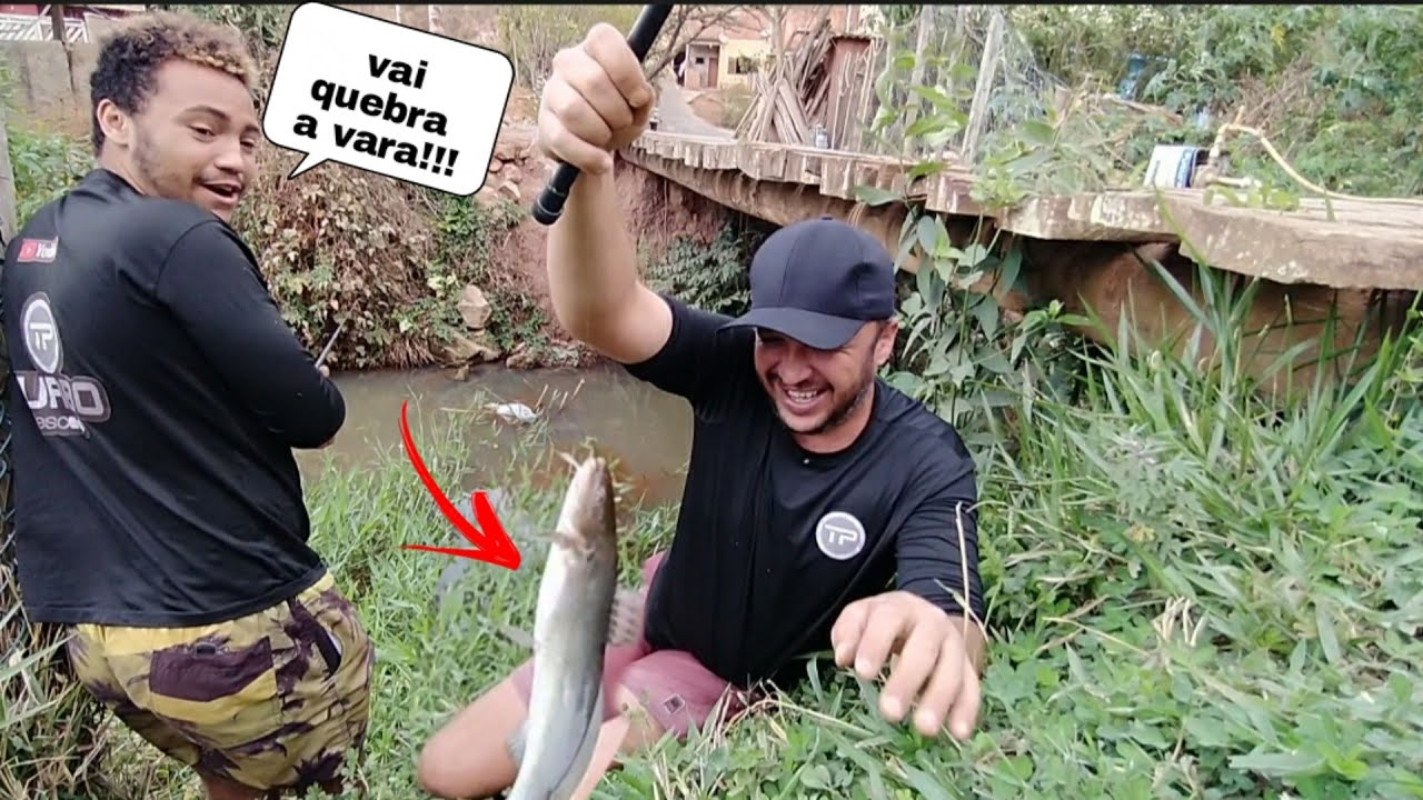 Quem vê acha que não tem peixe... Mais olha isso!!! Pescaria e peixe frito...