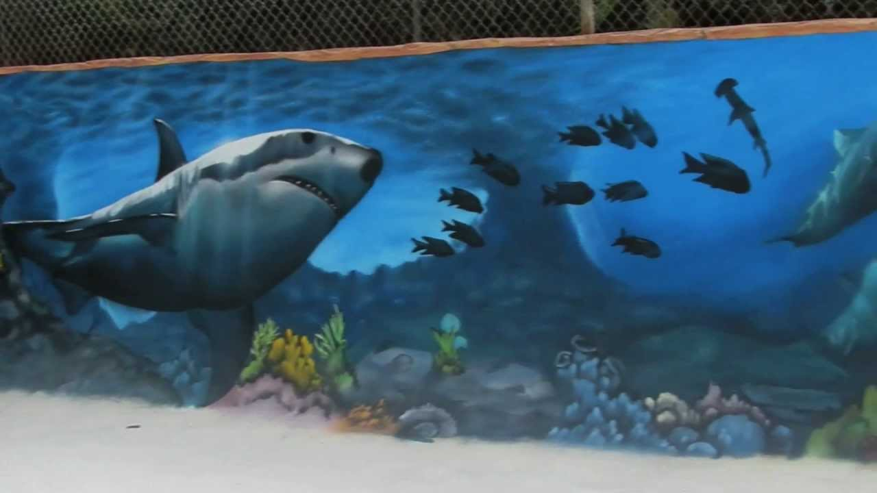 Graffiti mural marino en piscina youtube for Cuanto cobrar por pintar un mural