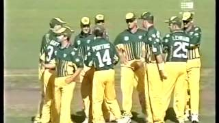 Video The best fielder in cricket history  Undisputable genius download MP3, 3GP, MP4, WEBM, AVI, FLV April 2018