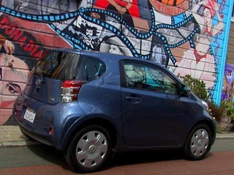 Car Tech - 2014 Scion iQ