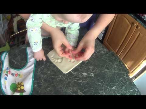Слепки ручек и ножек малышей из соленого теста