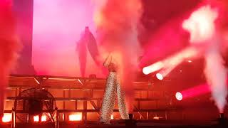 Halsey Bad At Love Live Perfomance In Jakarta