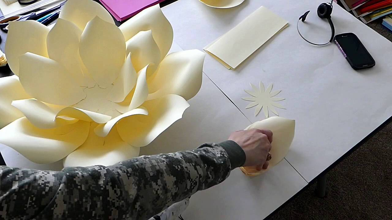 Diy large paper flower paper flower stencil paper flower backdrop youtube premium mightylinksfo
