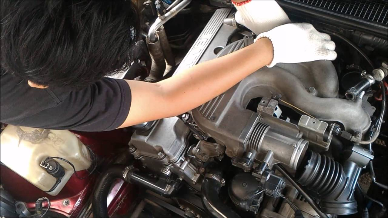 small resolution of upper intake manifold removal bmw e36m43