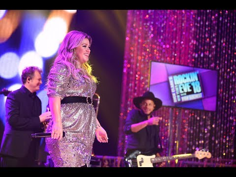 Kelly Clarkson - Love So Soft LIVE on New Years Rockin' Eve 2018!