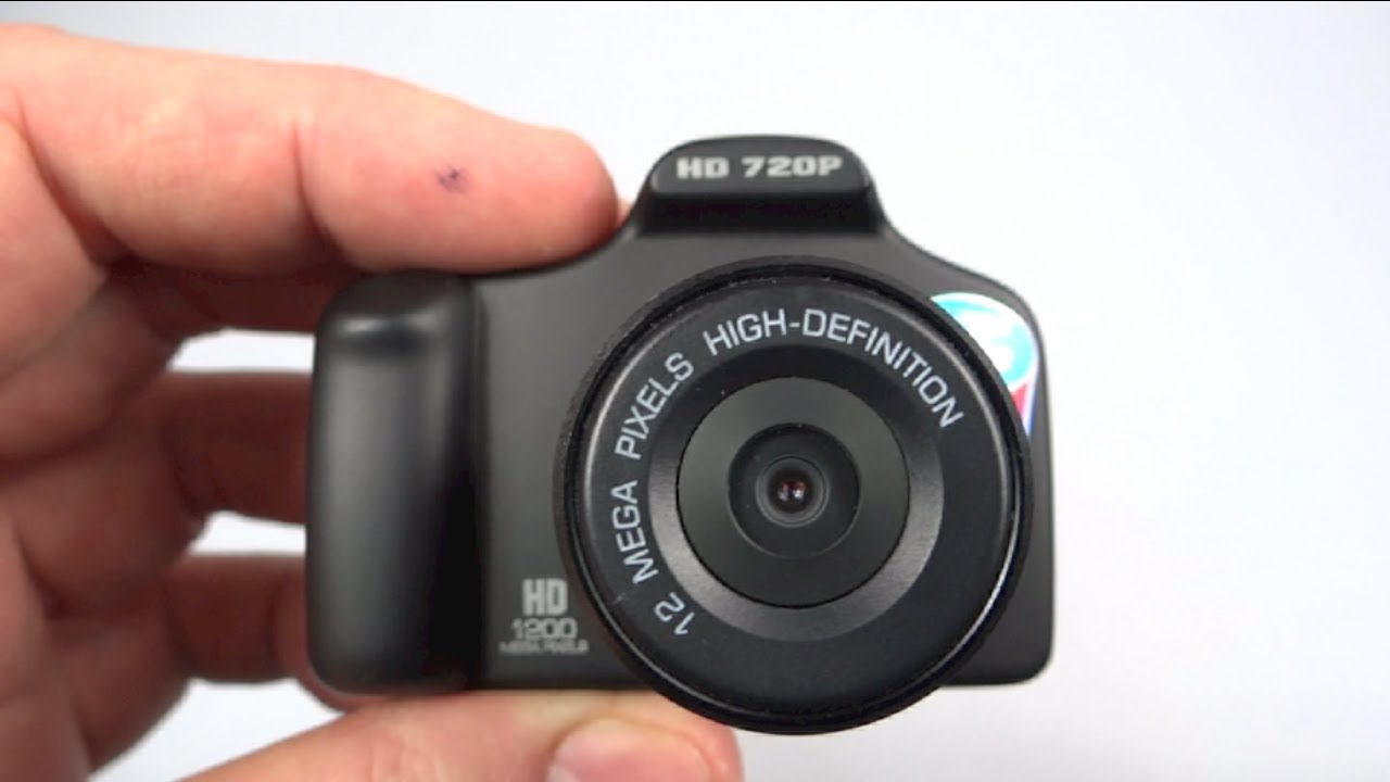 Q8 Micro DSLR Style Car Camera Non-review - I tried to review the Q8 Car DVR miniature Car DVR camera with an LCD screen.....but things didn't work out as planned.