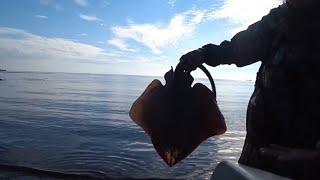 Неожиданный улов в татарском проливе. Рыбалка на треску.